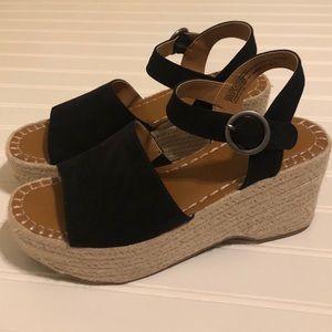 Universal Thread Morgan platform sandal 7.5 black
